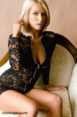 Aby live escort in Shaker Heights