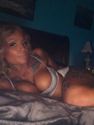 Yossra call girl in Euless Texas