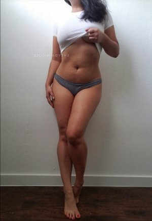 Jeannette escort girl in Thomaston