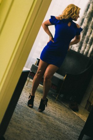 Yacina independent escort in Lakeside